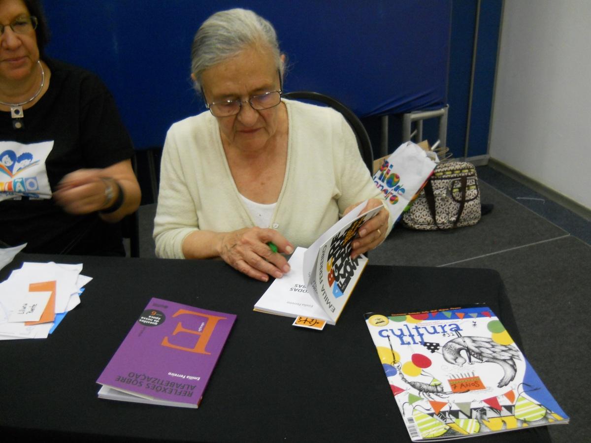 Emilia Ferreiro: apuntes acerca del Autor, el Narrador y losPersonajes